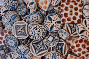 buttons-bl-brn-web.jpg