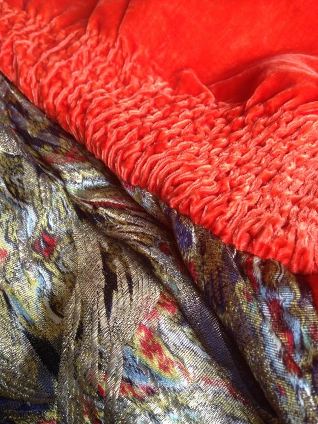 rusched silk velvet collar